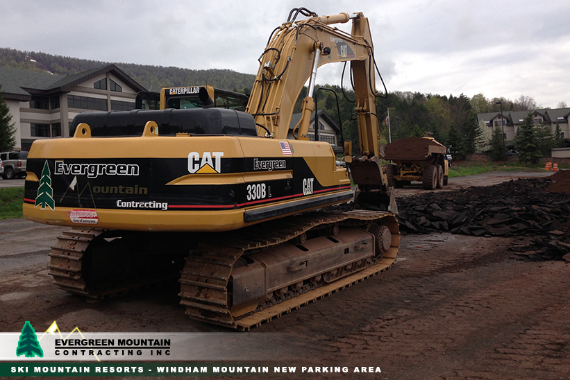 ski-mountain-resorts-windham-mountain-parking-area_-evergreen-mountain-contracting-new_-york_-petosa-cat330b