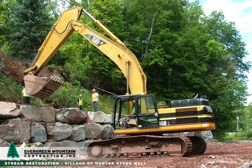 stream-restoration-village-of_-hunter-stone_-wall_-evergreen-mountain-contracting-new_-york_-petosa-diging